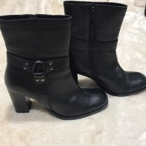 Black Heeled Ankle Leather Boots 👢 Size 7.5